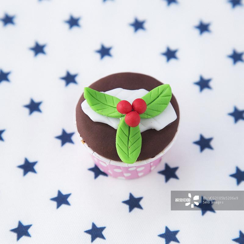 红色 无人 色素 绿色 影棚拍摄 白色 亚太 西方文化 圣诞节 蛋糕 一个物