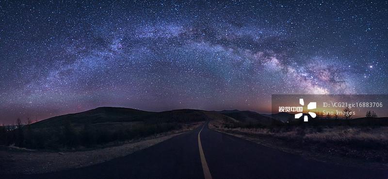 横幅 无人 星空 星系 星星 银河系 自然 路 草原天路 汽车