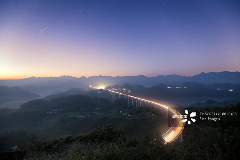 多云 汽车 星空 天空 山 星星 田地 公路 桥 自然 中国 重庆