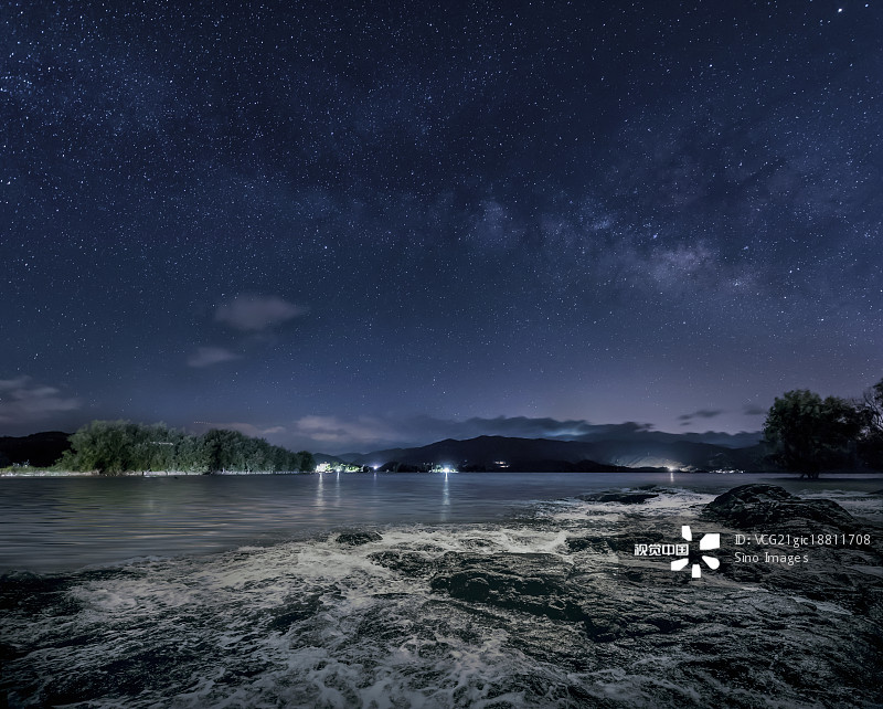 星空-海浪 海洋 非都市风光 气候 无人 天文学 广角拍摄 水面 点状 夜晚