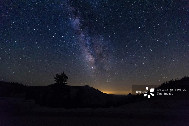文学 银河系 星空 优胜美地国家公园 国家公园 星星 风光 加拿大 星系