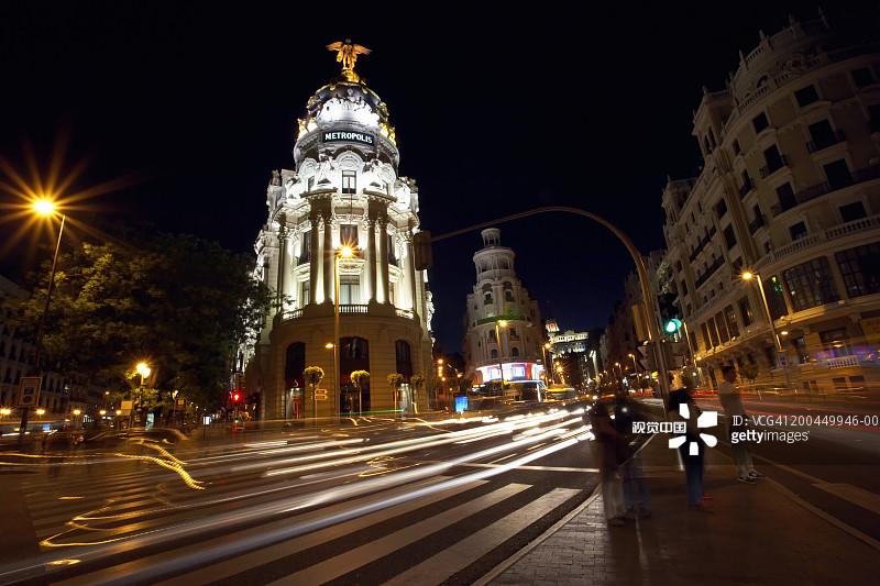 人 拍摄环境 格兰大道 生活方式 夜晚 马德里省 都市风景 无法辨认的