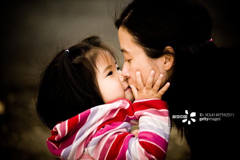可爱的 美国 亲吻 加利福尼亚 美 2岁到3岁 亲嘴 女孩 连接 35岁到39
