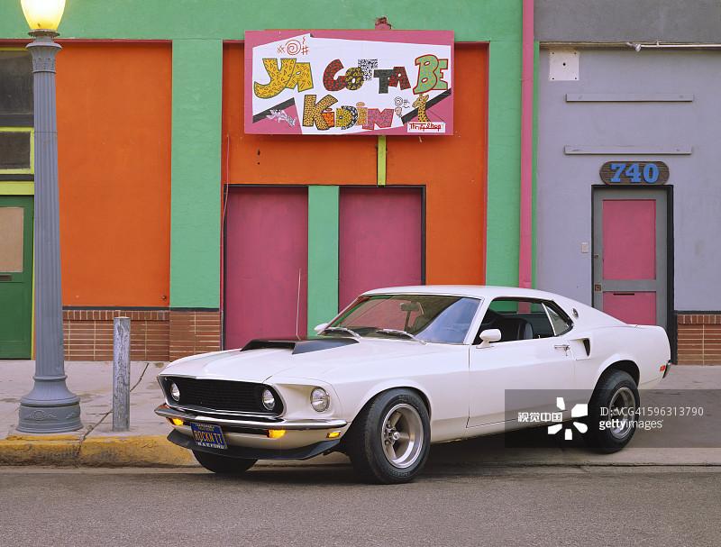 影有关的场景 福特野马 旧货店 闪亮的 运输 老爷车 1960年 1969年 高清图片
