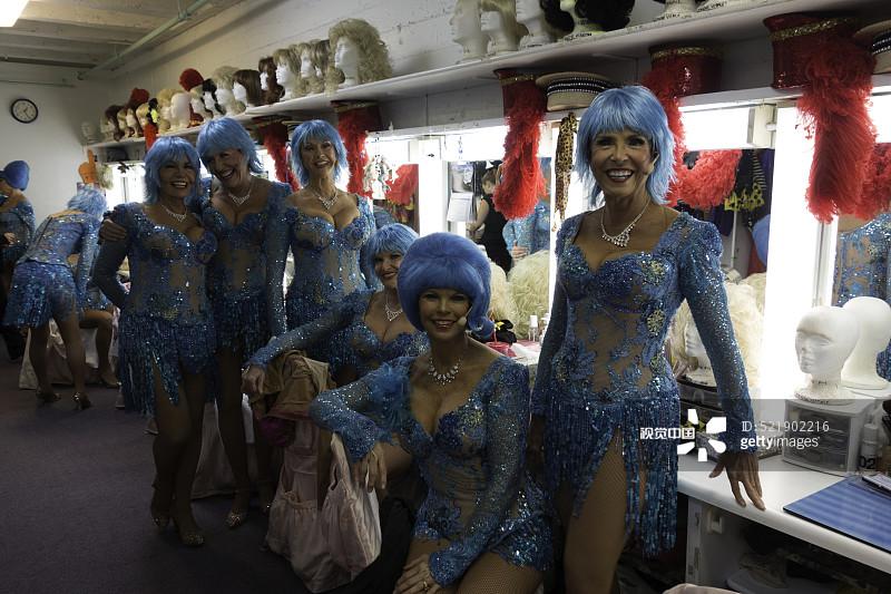 歌舞女演员 幕后 仅女人 成年人 老年人 舞蹈团