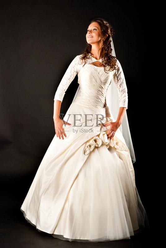 微笑 背景 新娘 时尚 可爱的 美 影棚拍摄 魅力 婚姻 快乐 爱 人体 黑色 图片