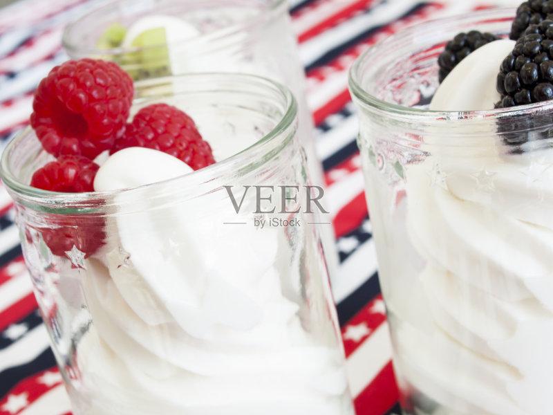 水果 冰淇淋 有机食品 红色 冷冻食物 蓝色 无人 浆果 黑覆盆子 食品 覆