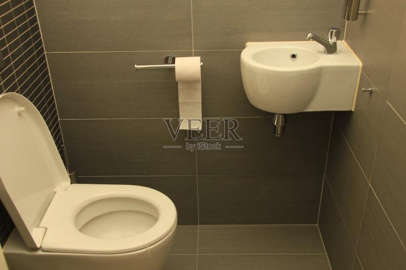 室内 黑色 厕所 陶瓷制品 现代 概念 水龙头 简单图片