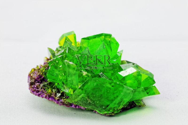 矿物质 自然美 玻璃 一个物体 绿色 物理学 形状 自然 鲜绿色 硫酸亚铁