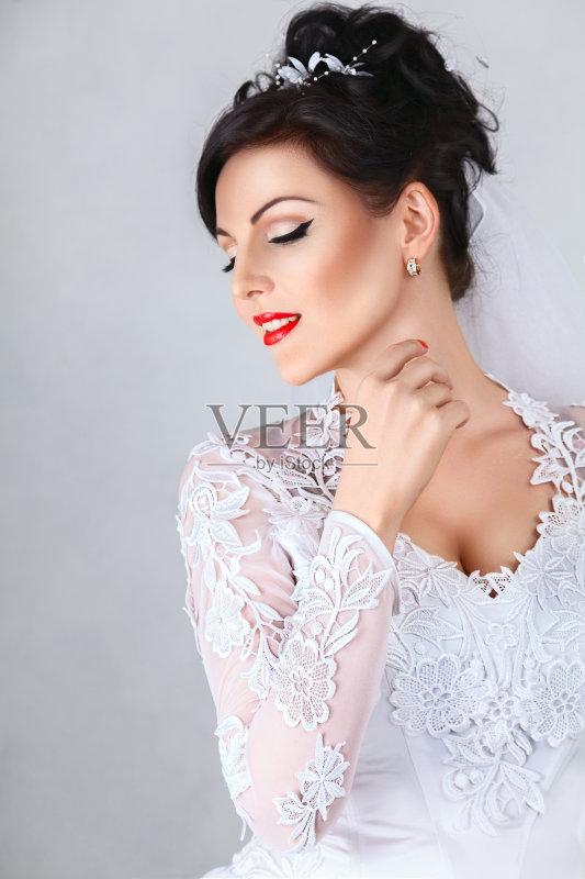 美女 微笑 新娘 华贵 美 一个人 仅一个青年女人 订婚 魅力 婚姻 舞台图片