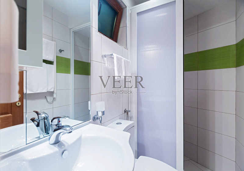 室内 反射 厕所 毛巾 干净 镜子 现代图片