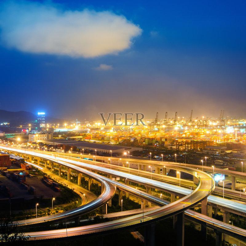 立交桥- 现代 街道 立交桥 户外 行动 暗色 海港 照明设备 巴士 公路