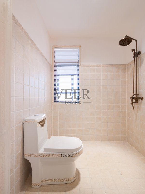 室内 窗帘 厕所 砖地 陶瓷制品 现代 水龙头图片