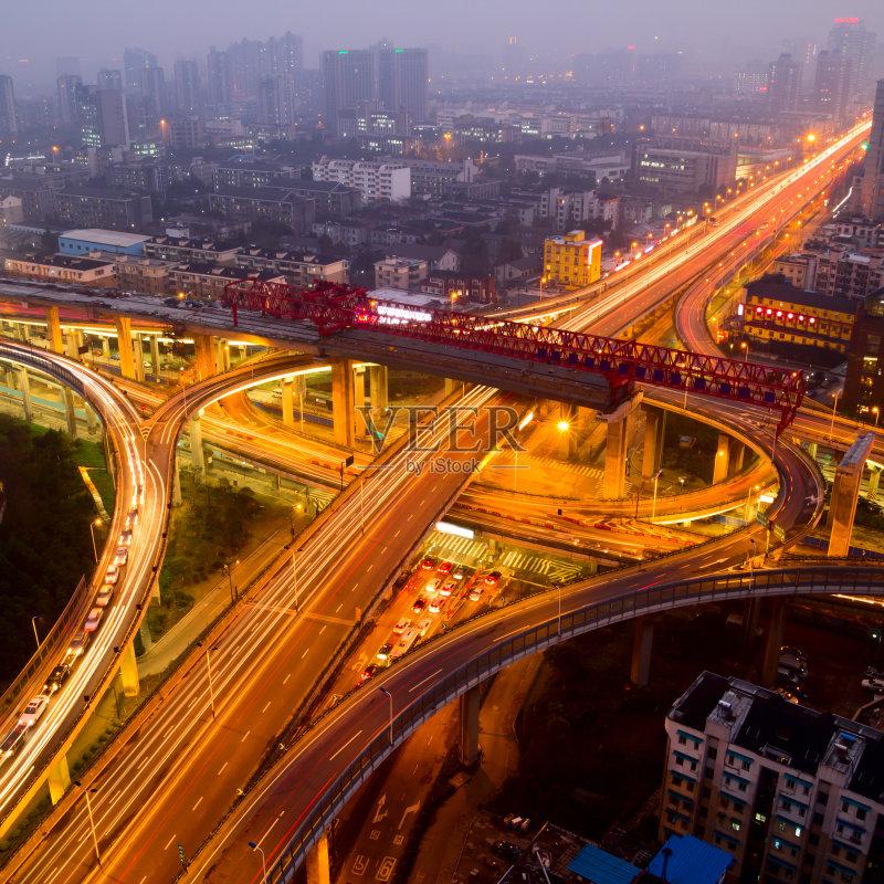 立交桥- 现代 街道 立交桥 户外 行动 暗色 照明设备 巴士 公路 夜晚 城市