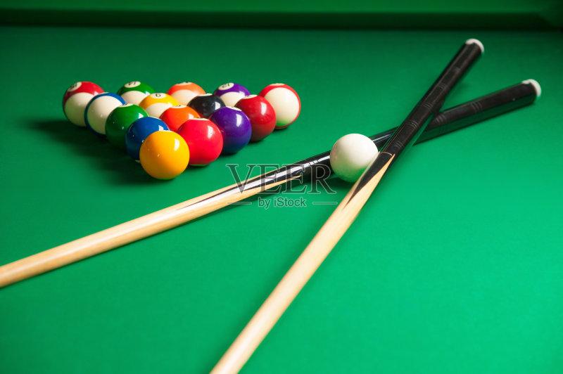 无人 三角形 桌球台 休闲追求 台球运动 竞技运动 竞争 球杆 台球 球体 图片