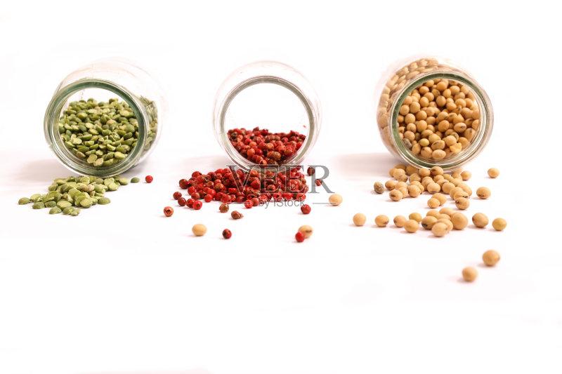 调料 豆科植物 草本 咖喱粉 香料 多样 玻璃 瓶子 红色 多香果粉 白胡椒
