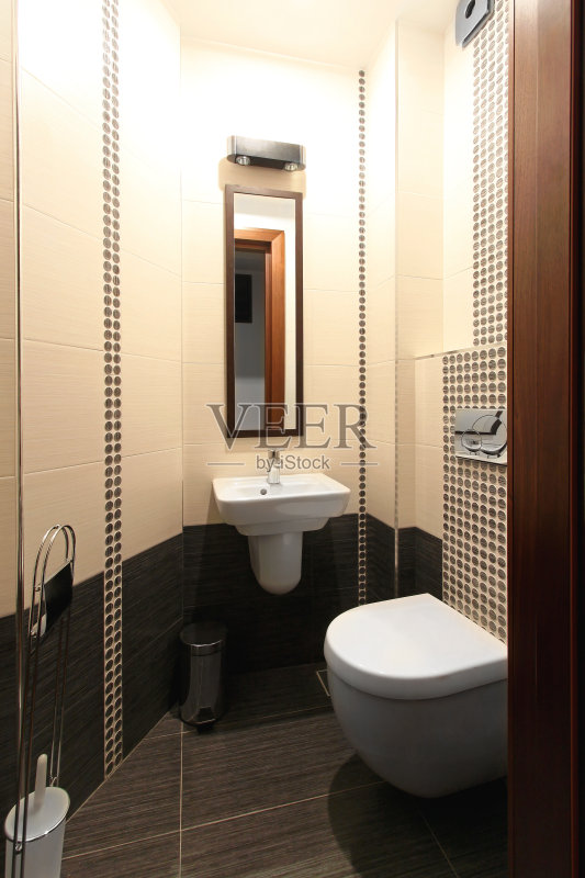 室内 小的 厕所 镜子 现代图片