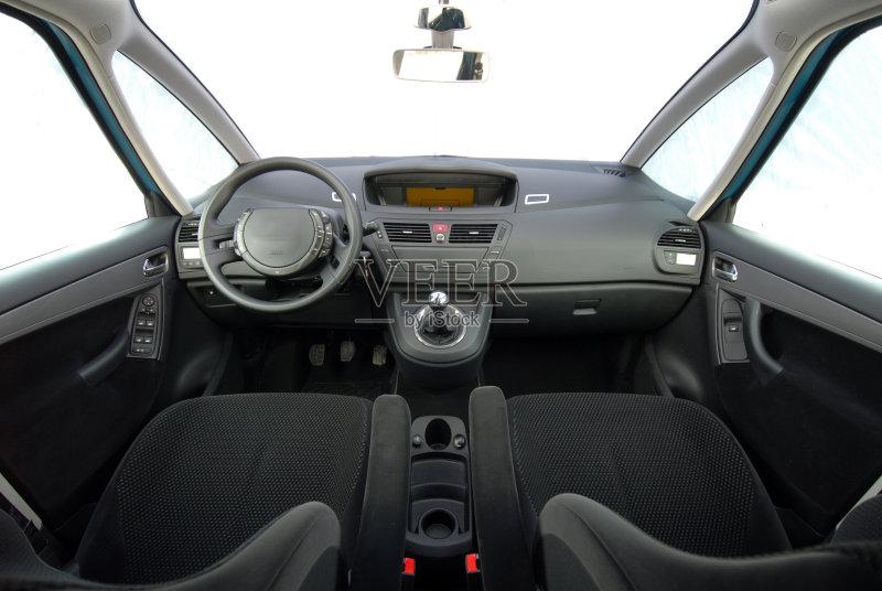 乘客 窗户 汽车天窗 陆用车 中间部分 舒服 修理 安全带 注射 挡风玻璃图片