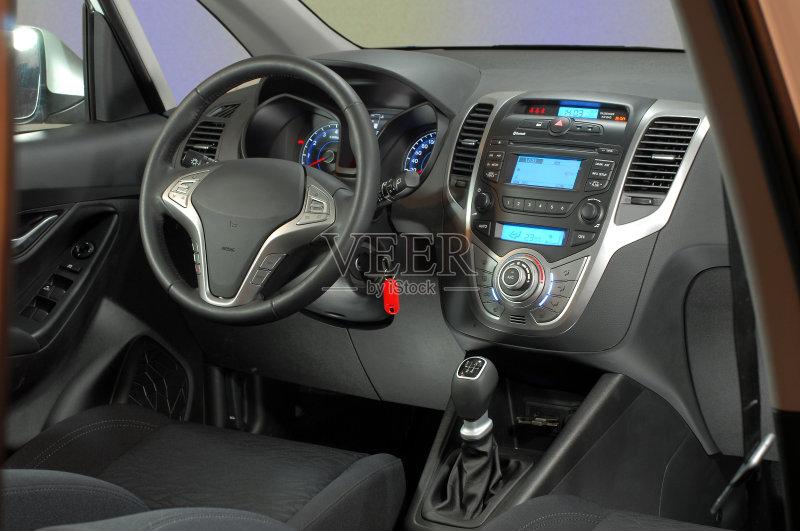 车道 控制 汽车 交通工具内部 收音机 四驱车 华贵 汽车内部 灰色 设备图片