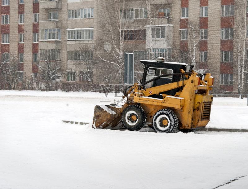 备用品 机器 扫雪车 冬季服务 居住区 车轮 液压升降平台图片