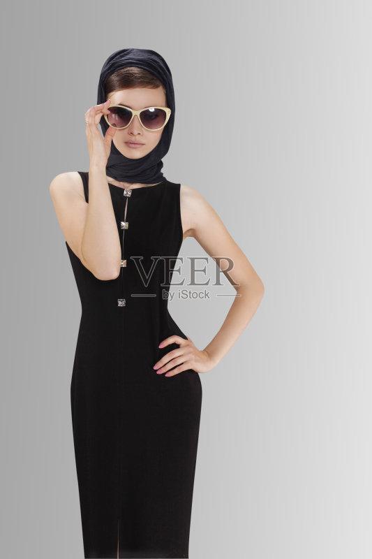 古风格 头发 模仿 帽子 情感 时装模特 女性 美女 表现积极 高雅 背景