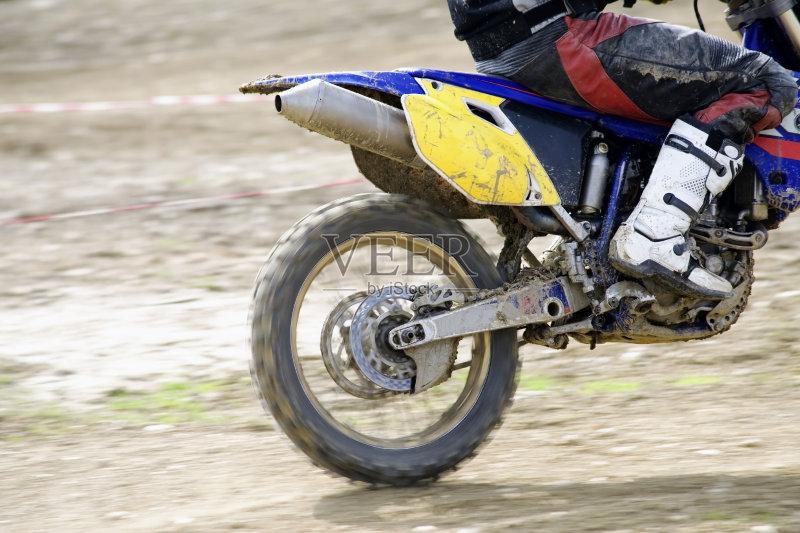 摩托车 泥土 行动 链 发动机 肮脏的 摩托车越野赛 摩托车赛 竞技运动