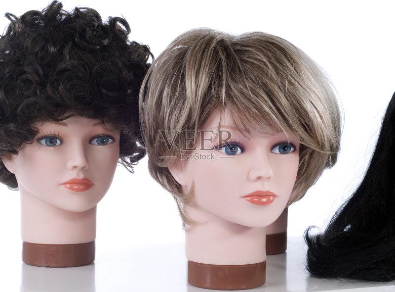 卷发 头发 模仿 白人 女性 相伴 室内 人类形象 时尚工业 商店 个性 电