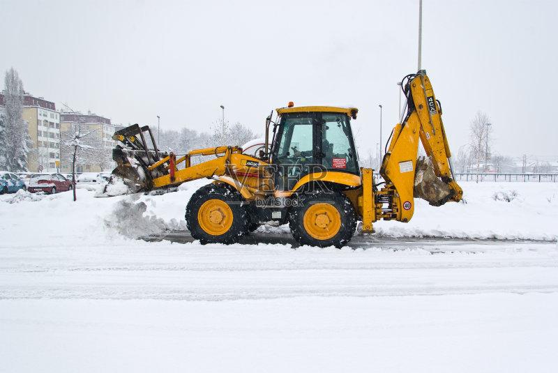 工业 兴奋 扫雪车 工作 寒冷 街道 气候 早晨 户外图片