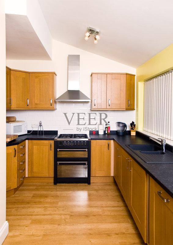 木 居家装饰 装修 自己动手 无人 钢铁 厨房 室内 不锈钢 地板 复合地板
