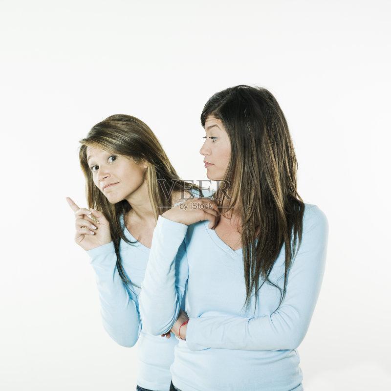 同性恋伴侣 模仿 白人 情感 女性 相伴 中年人 提举 幽默 中年女人 友