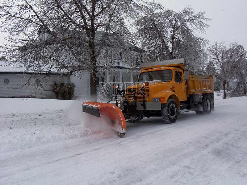 活 冬天 路 扫雪车 暴风雨 刀刃 城市 体力工人 修理 大风雪 自动倾卸卡图片