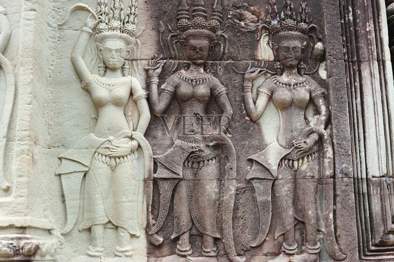 女 旅行者 浅浮雕 印度教 吴哥 雕刻物 特色服装 旅游 手艺 原生态文化 图片