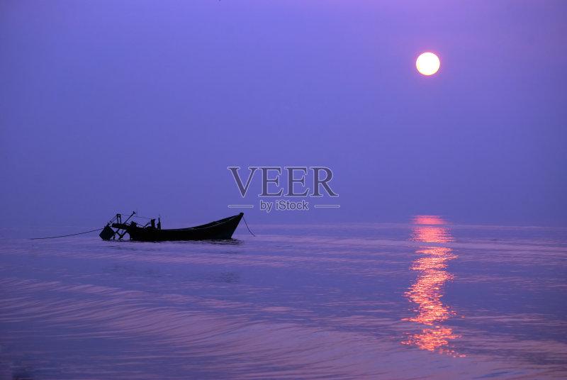 形 财富 白日梦 方向 海滩 户外 旅游 华贵 放松 看风景 日出 无人 有帆图片