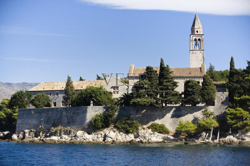 外 旅游 著名景点 自然美 中世纪时代 教堂 历史 古老的 夏天 蓝色 地中图片