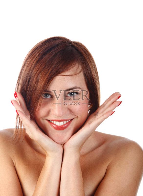 笑容-仅一个女人 人 白色 女人 奉承 肖像 手 仅女人 白色背景 凝视 性感