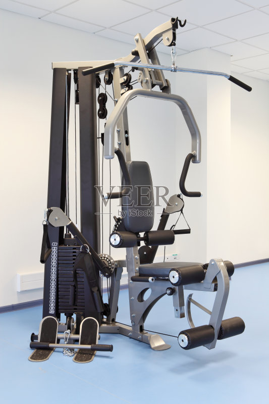 负重物 锻炼 室内 健身房 健身器械 塑形 休闲追求 生活方式 训练 健身图片
