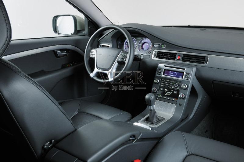 四驱车 安全 汽车内部 时尚 华贵 方向盘 光盘机 出示 保险箱 影棚拍摄 图片
