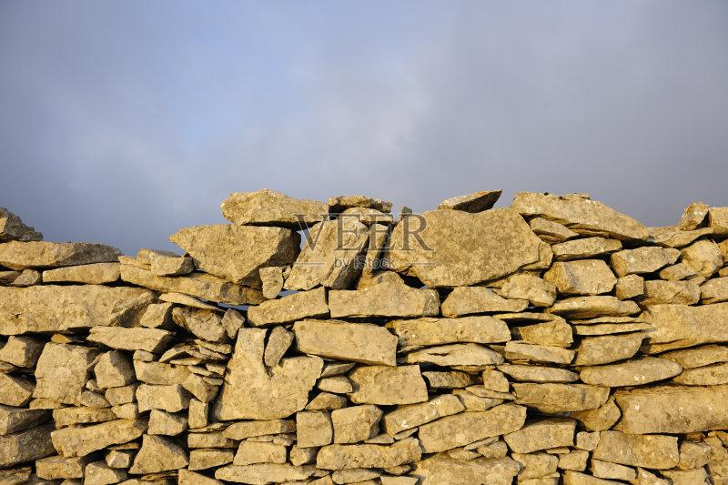 巨石 天空 块状 石灰石 农业 建筑材料 地形 云 石头 背景 非都市风光