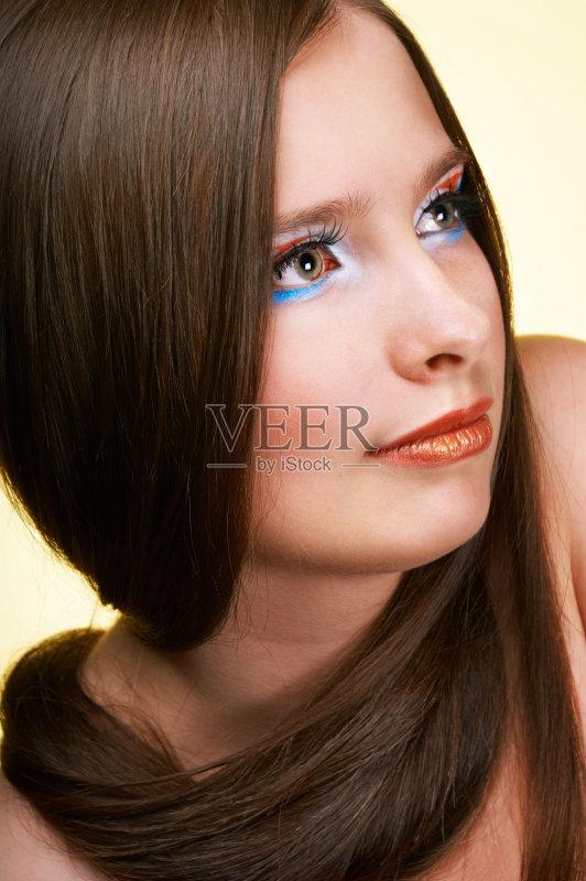美妆-时尚 高雅 女人 美 彩妆 肖像 看 少女 魅力 从容态度 青春期 眉毛 图片