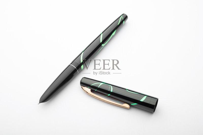 钢笔-鲜艳 文字 墨水笔 华贵 书法 标志 水笔 古典式 写 复古风格 沟通 黄金