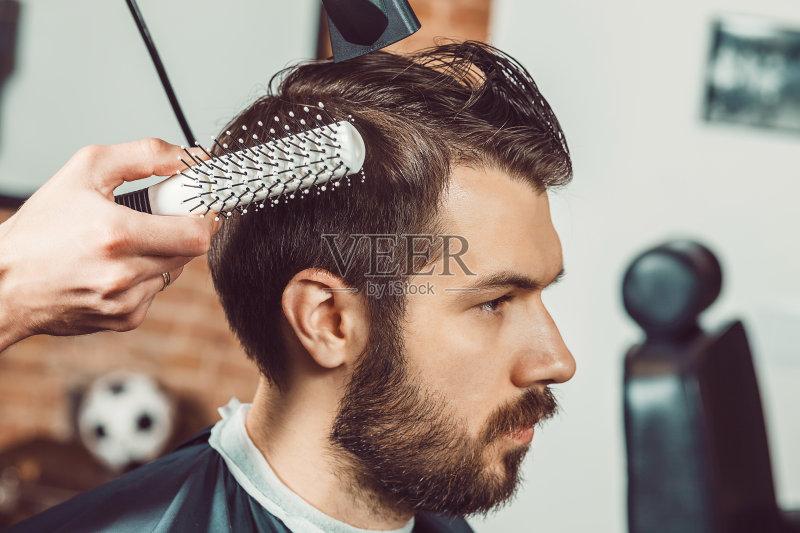师 青年文化 理发店 古典式 青年人