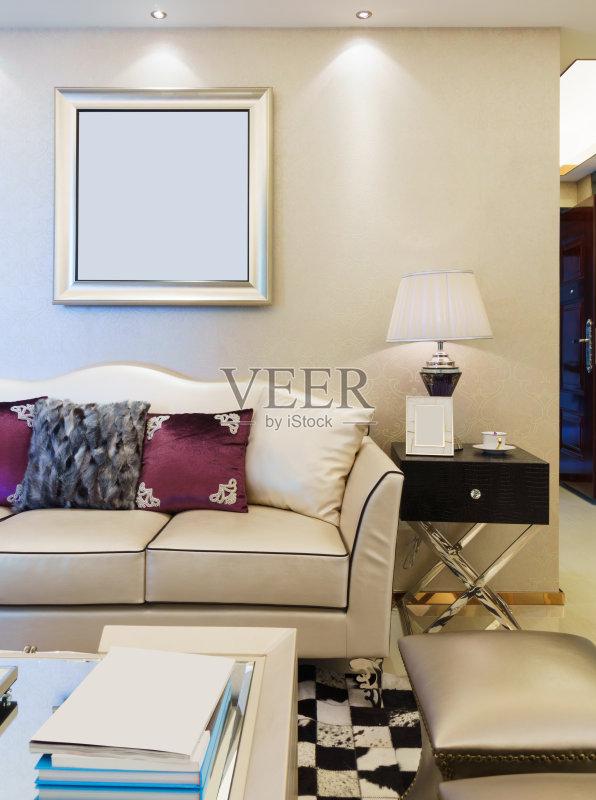 家居-相框 座位 住宅内部 住宅房间 式样 枕头 装饰物 居家装饰 起居室 图片
