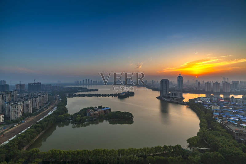 建筑外部 岛 南昌市 旅行 紫色 湖 早晨 户外 照明设备 公园 日落 日出