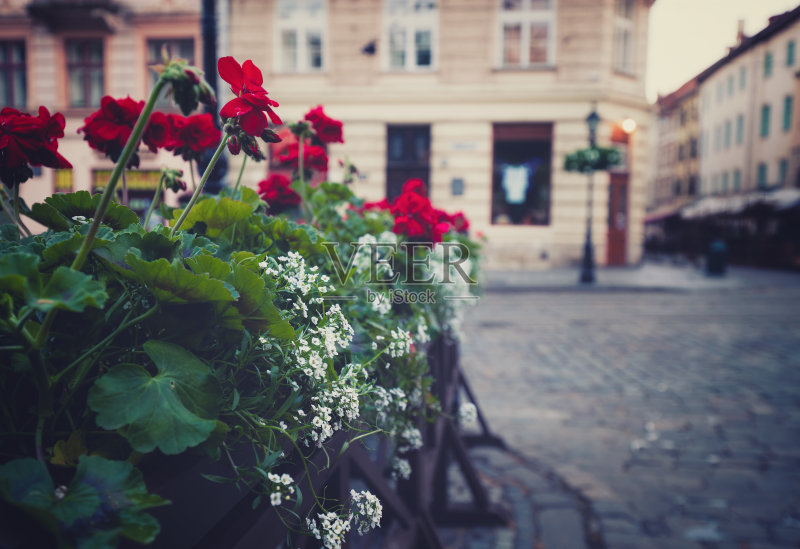 夏天 桌子 街道 建筑 户外图片