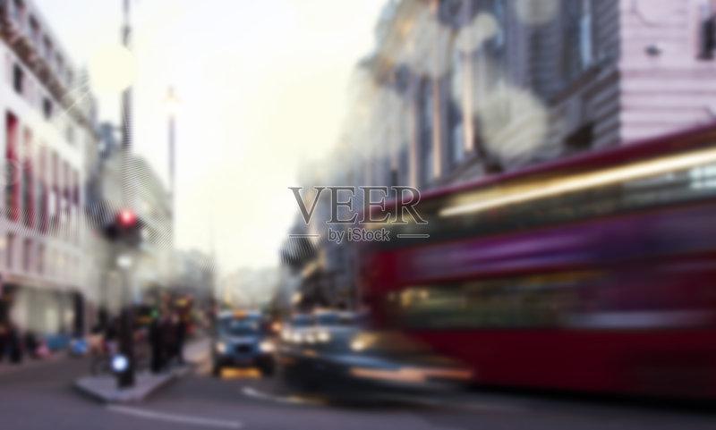 白昼 市区 都市风景 生活方式 地名 人行道 成年人 城镇 背景 街道 交图片