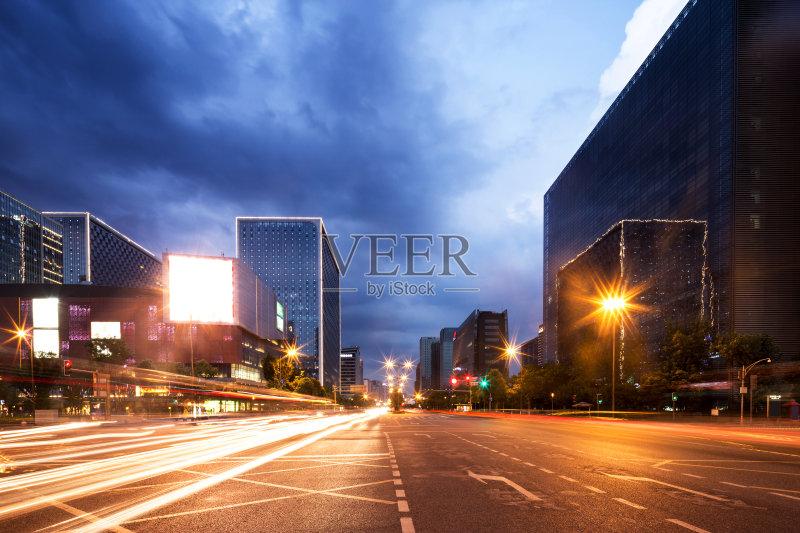 观设计 上海 城市天际线 迅速 市区 亚洲 建筑外部 旅行 在活动中 汽车 图片
