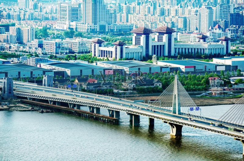 建筑外部 桥 南昌市 河流 居住区 草坪 金融和经济 汽车 现代 街道 户外