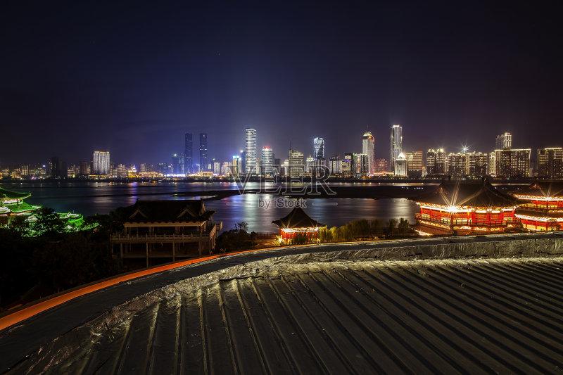 巨大的 南昌市 十字形 摩天大楼 江西省 城市天际线 运动 迅速 市区 中国