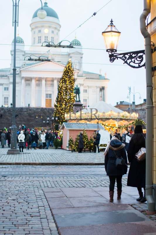 街景-著名景点 文化 圣诞卡 冬天 首都 圣诞树 教堂 北欧 城市 大教堂 无图片