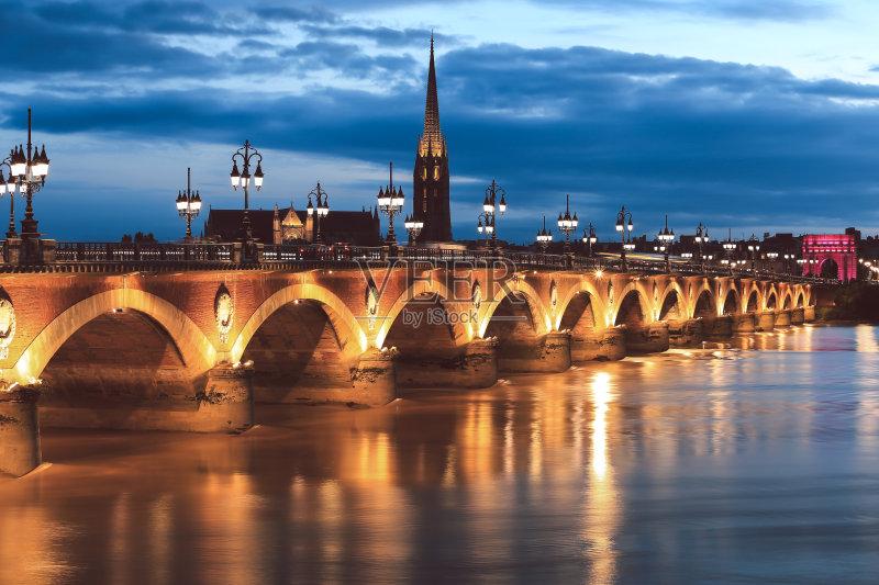 材 著名景点 路灯 法国文化 当地著名景点 教堂 大教堂 无人 都市风景 图片